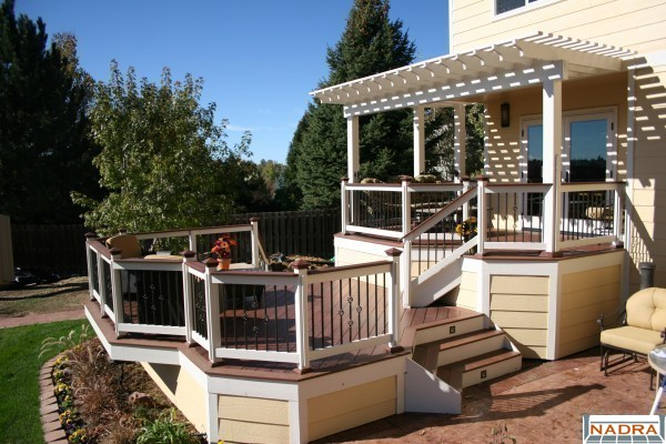 Composite two level composite deck nadra gallery of for Multi level deck design
